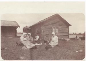 Smids Anna, Gut Anna och Smids Annas faster (taget före 1920)