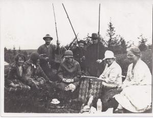 På hemväg från fisket i Björntjärn 19 juli 1927