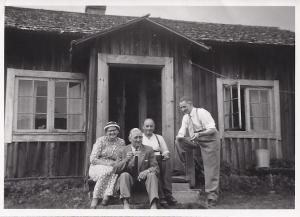 Taget den 22 aug 1955 hos Mårtens (217-5)