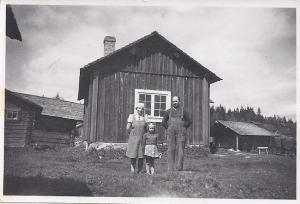 Ulla Mårten med föräldrar (217-5)