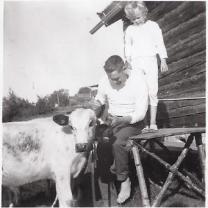Britt-Marie Olmats och Muså Karl Olmats (245-7)